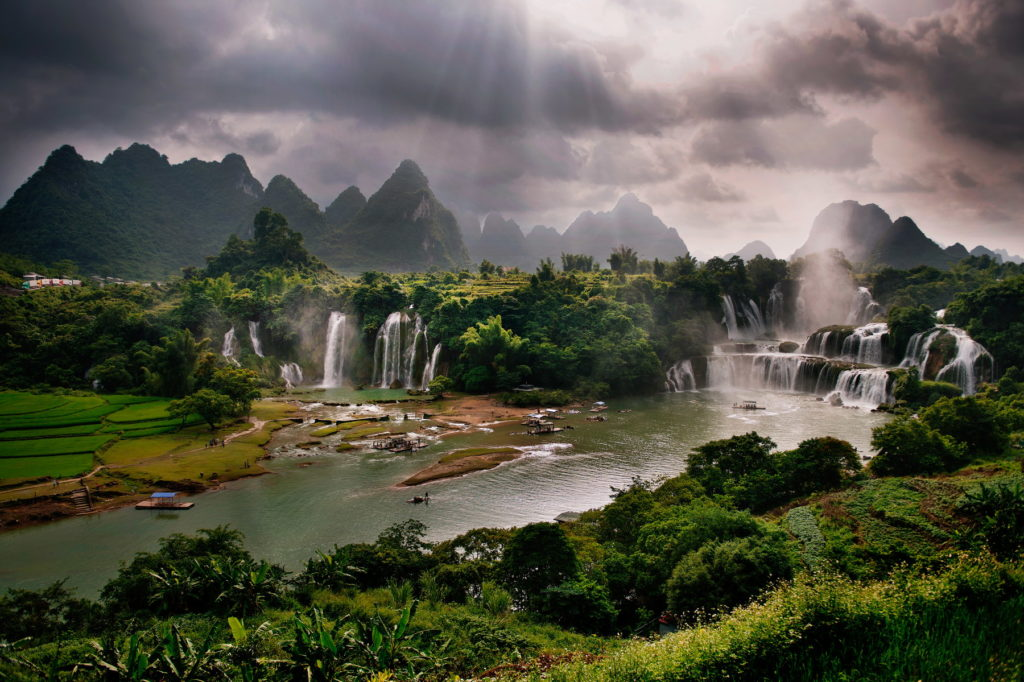 Ban Gioc Waterfalls overview 1024x682 - VIETNAM MOTORBIKE TOUR TO CAO BANG, BAC KAN, LANG SON