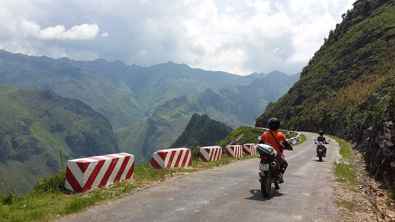 Hoang Lien Rang motorbike tour - NORTHEAST VIETNAM BACK-ROAD MOTORBIKE TOUR TO HA GIANG AND CAO BANG