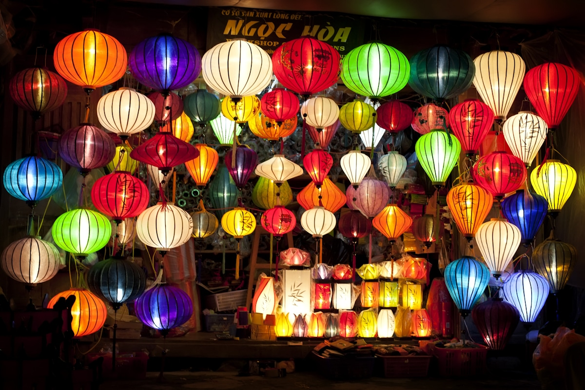 Hoi AN - COMPLETE VIETNAM MOTORBIKE TOUR ALONG THE COAST FROM HANOI TO SAIGON