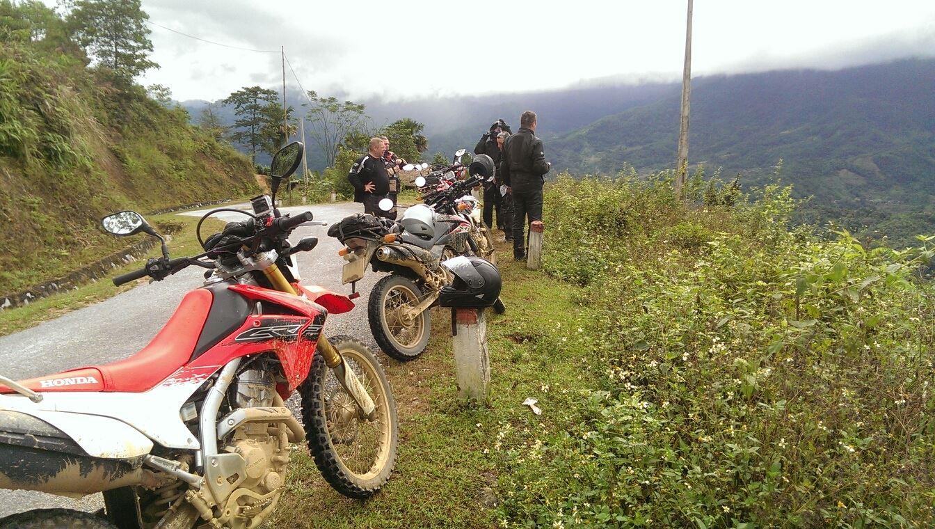 Motor VN005 - LOOP OF NORTHERN VIETNAM MOTORBIKE TOUR TO SAPA, HA GIANG - 13 DAYS