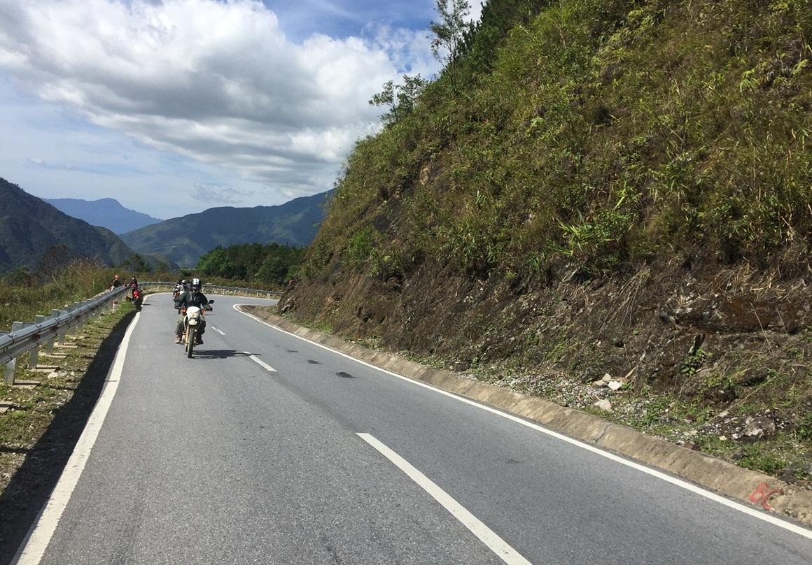 Hanoi Motorbike Tour to Bac Kan, Ban Gioc, Cao Bang, Lang Son