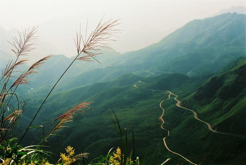 Tram Ton Pass - Short Sapa Motorbike Tour to Lai Chau & Dien Bien Phu