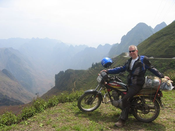 BEST HANOI MOTORBIKE TOUR TO SAPA WITH TRAIN BACK