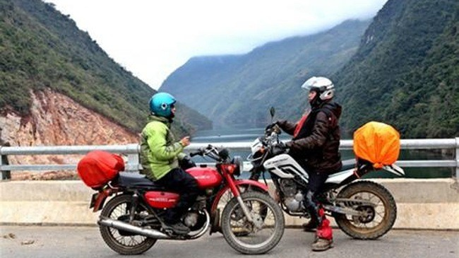 FABULOUS VIETNAM BACKROAD MOTORBIKE TOUR TO HA GIANG AND CAO BANG
