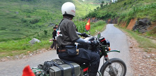 short-vietnam-north-west-motorbike-tour-in-need