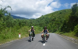 EASY-GOING VIETNAM MOTORBIKE TOUR FROM SAIGON TO HANOI