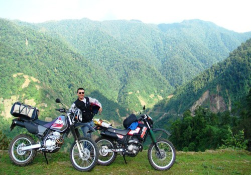 ESSENTIAL HANOI MOTORBIKE TOUR TO MAI CHAU WITH HOMESTAY