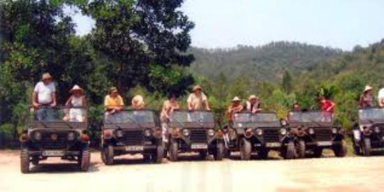 vietnam jeep tours - HANOI JEEP TOUR TO MAI CHAU VALLEY IN HOA BINH FOR HOMESTAY