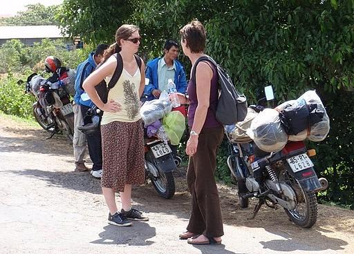 HUE MOTORBIKE TOUR TO DMZ – KHE SANH – HOI AN