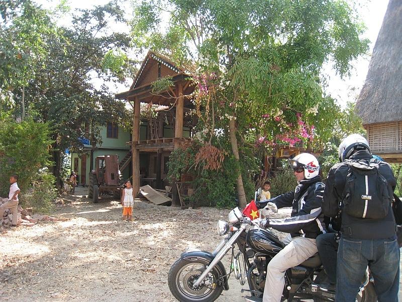 kham duc 2 - VIETNAM MOTORBIKE TOUR FROM HOI AN TO DALAT - NHA TRANG