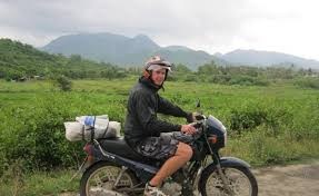 HANOI MOTORBIKE TOUR TO BA VI NATIONAL PARK AND DUONG LAM VILLAGE