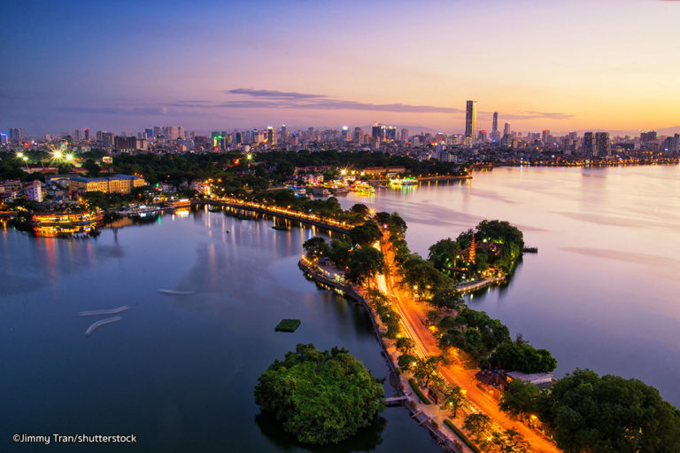 West lake Hanoi - DAYLIGHT HANOI MOTORBIKE TOUR FOR FOODS AND SIGHTSEEINGS