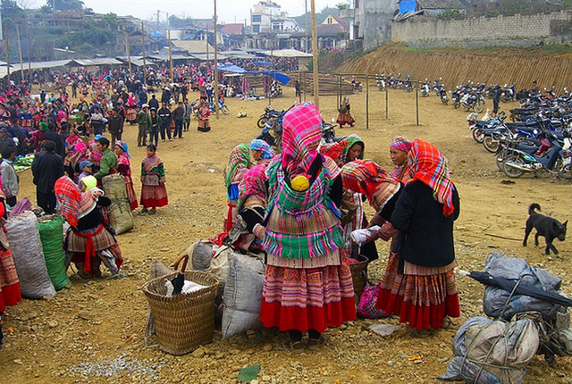 Bac Ha Market Sapa - BEST HANOI MOTORBIKE TOUR TO SAPA WITH TRAIN BACK