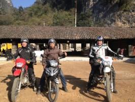 Hanoi Sightseeing Tour with Motorbike to Bat Trang, Dong Ho