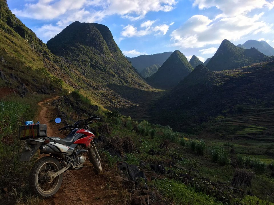 Motor 001 - NORTHEAST VIETNAM BACK-ROAD MOTORBIKE TOUR TO HA GIANG AND CAO BANG