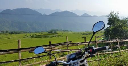 NORTHEAST VIETNAM MOTORBIKE TOUR TO HA GIANG VIA BAC HA, BA BE - 7 DAYS