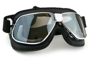 goggles for motorbike riders 300x200 - Gallery : Protective Motorbike Equipments For Your Trip
