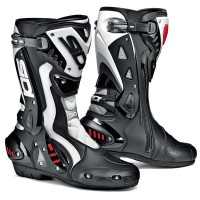 motorbike boots 200x200 - Gallery : Protective Motorbike Equipments For Your Trip