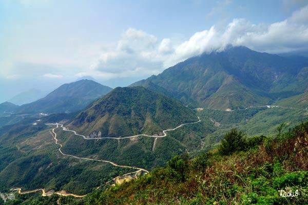 Sapa Motorbike Tours to Lai Chau, Dien Bien via Tram Ton pass and Tam Duong