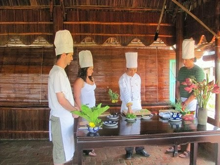 HOI AN COOKING CLASS AND MOTORBIKE TOUR IN COMBINATION